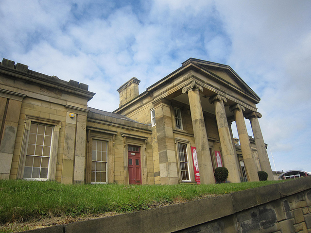 Monkwearmouth station's central portico. Photo by eltpics [CC BY-NC 2.0] via this flickr page