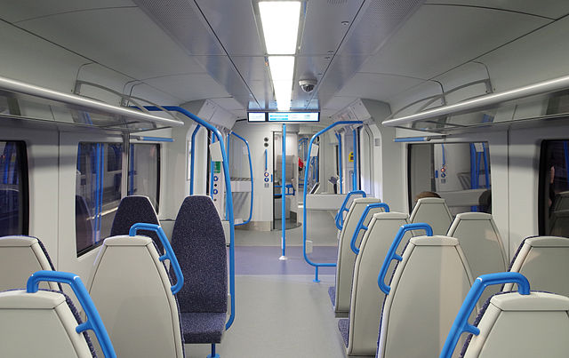 Inside one of the new Thameslink trains. Photo by By mattbuck (category) (Own work by mattbuck.) [CC BY-SA 2.0, CC BY-SA 3.0 or CC BY-SA 4.0], via Wikimedia Commons