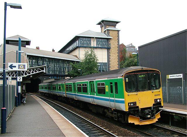 640px-jewellery_quarter_railway_station_platform_-_birmingham_-_2005-10-14