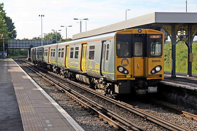 Merseyrail_Class_508,_508115,_Birkenhead_North_railway_station_(geograph_4016710)