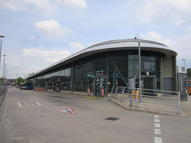 Middleton_Bus_Station,_Greater_Manchester